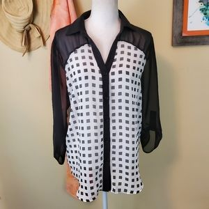 Maurices Lg Black & White Print Flowy Blouse